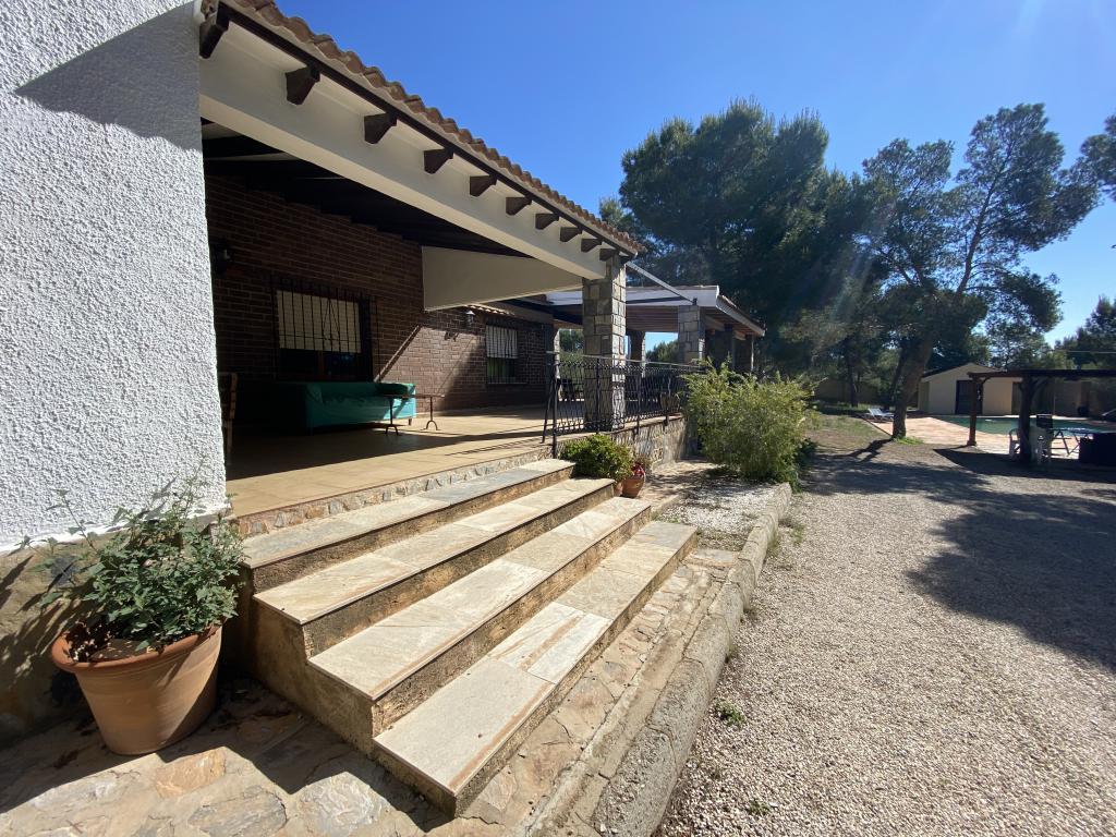 Casa de Campo con Gran Parcela en Pinar de la Perdiz